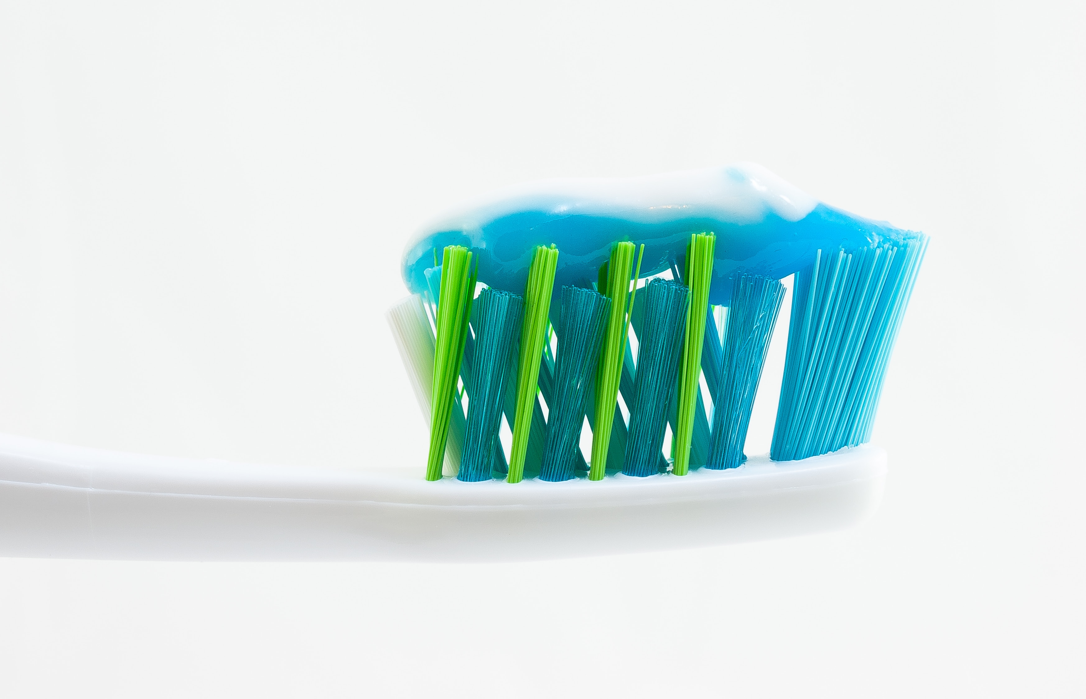 Everything You Need To Know About Your Toothbrush | Dental Tourism Slovakia